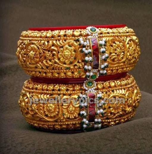 heavy gold bangles antique old designs