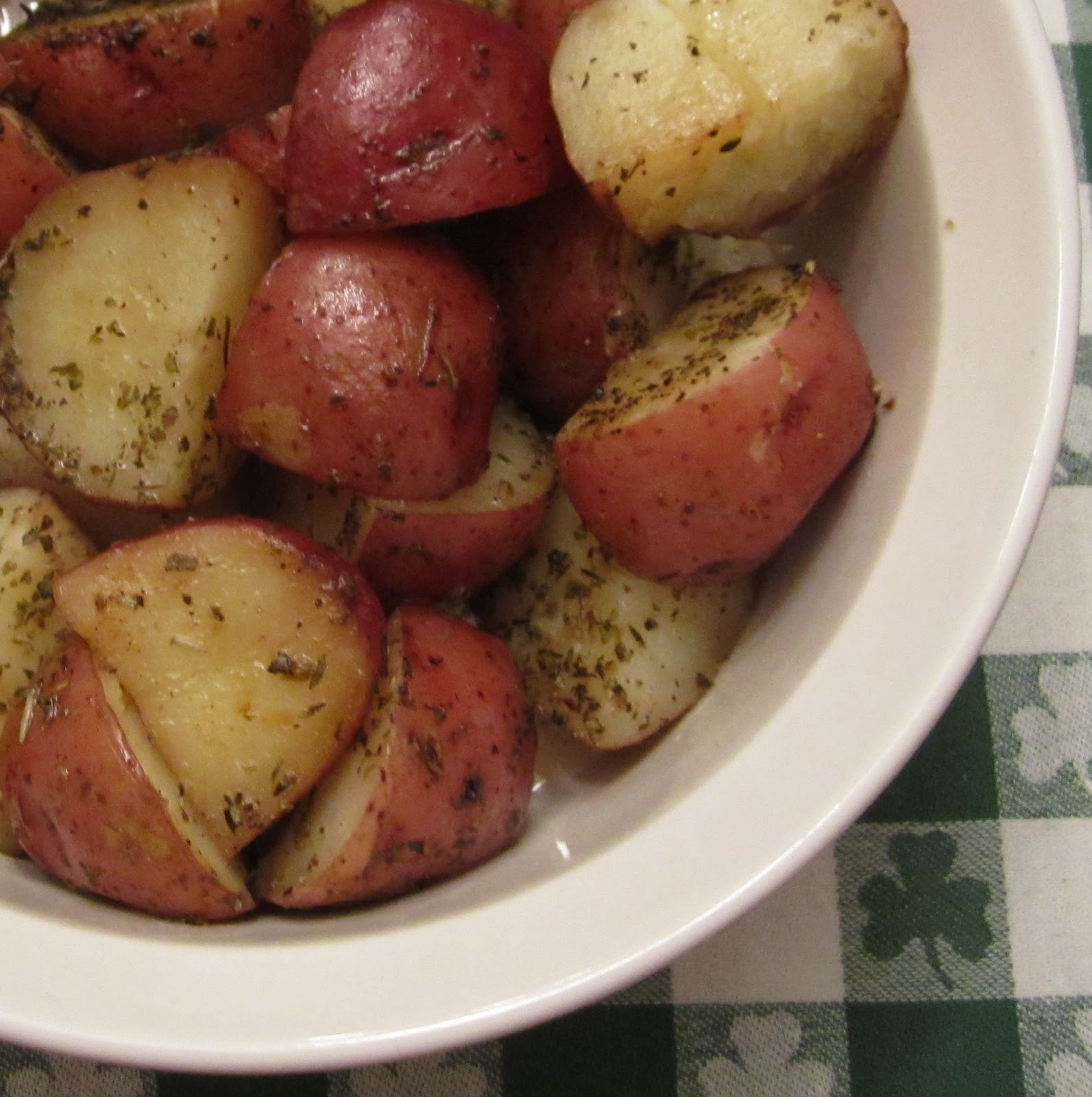 ... oven roasted red potatoes easy to make oven roasted red potatoes
