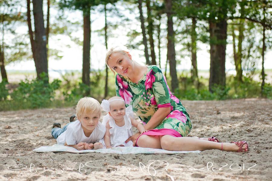 ema-lapsed-laulasmaa-rannas