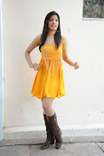 actress pragathi hot photos in yellow-thumbnail-12