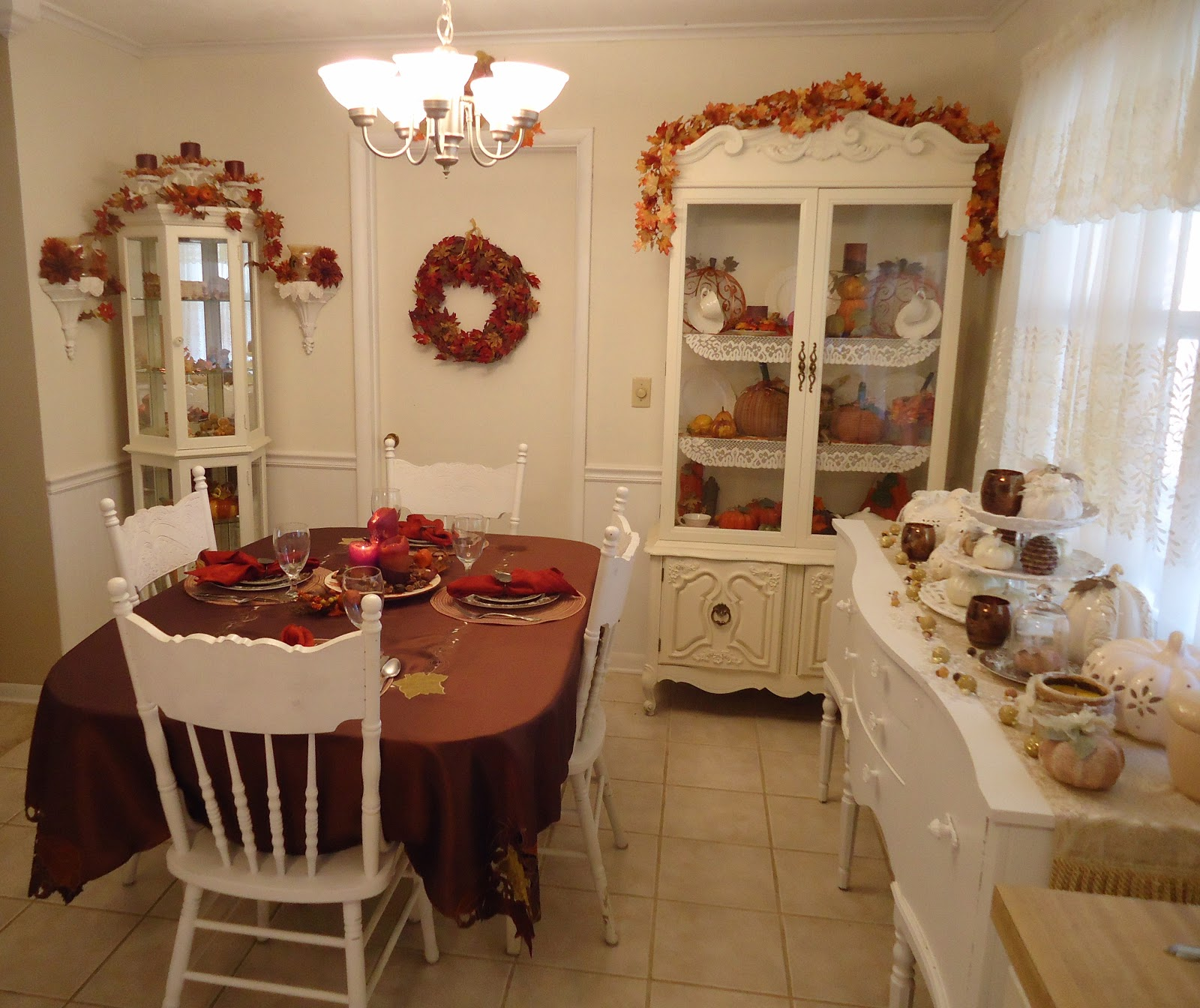 fall cottage decor - Country Cottage Dining Room Ideas