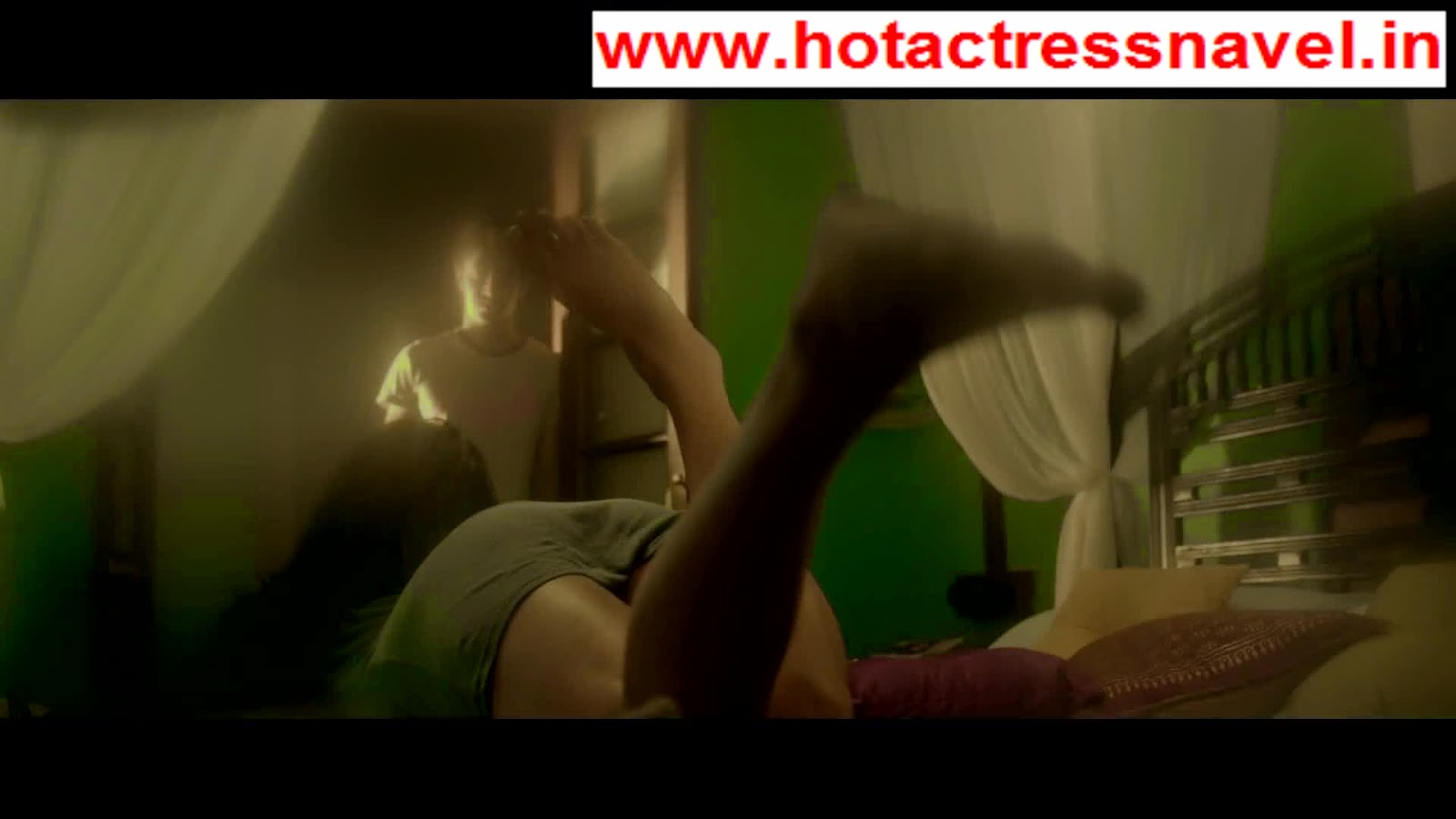 Poonam Pandey Hot In Nasha Top Less Bare Back Navel Cleavage