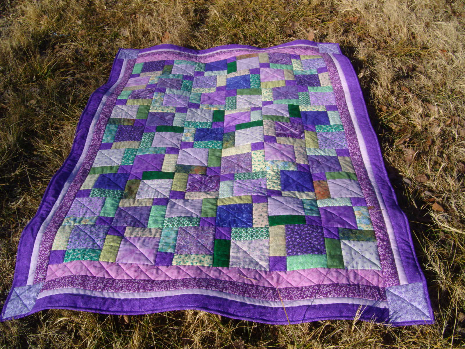 judysquiltsandthings: tossed nine patch quilt
