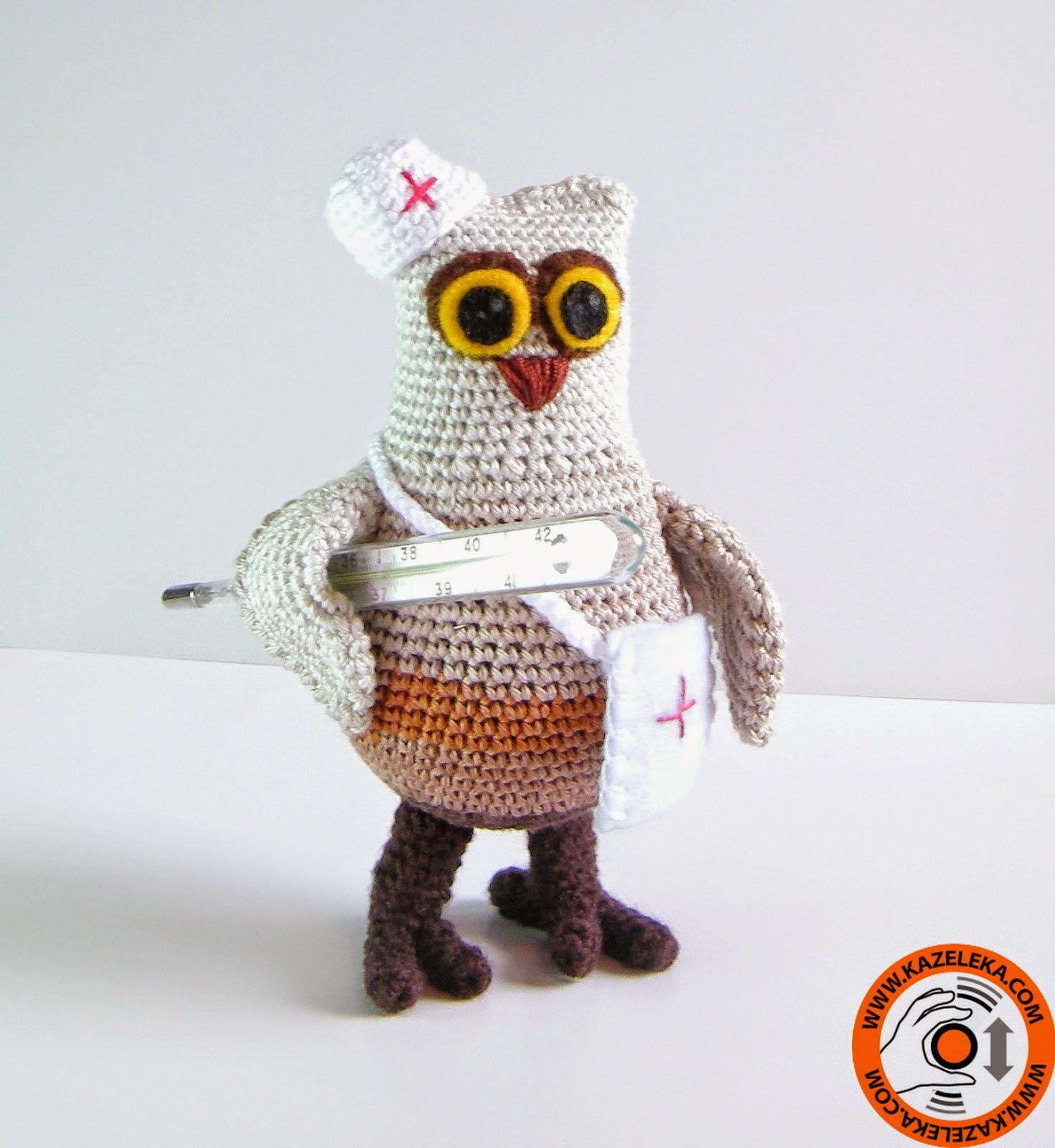 вязаная игрушка сова врач