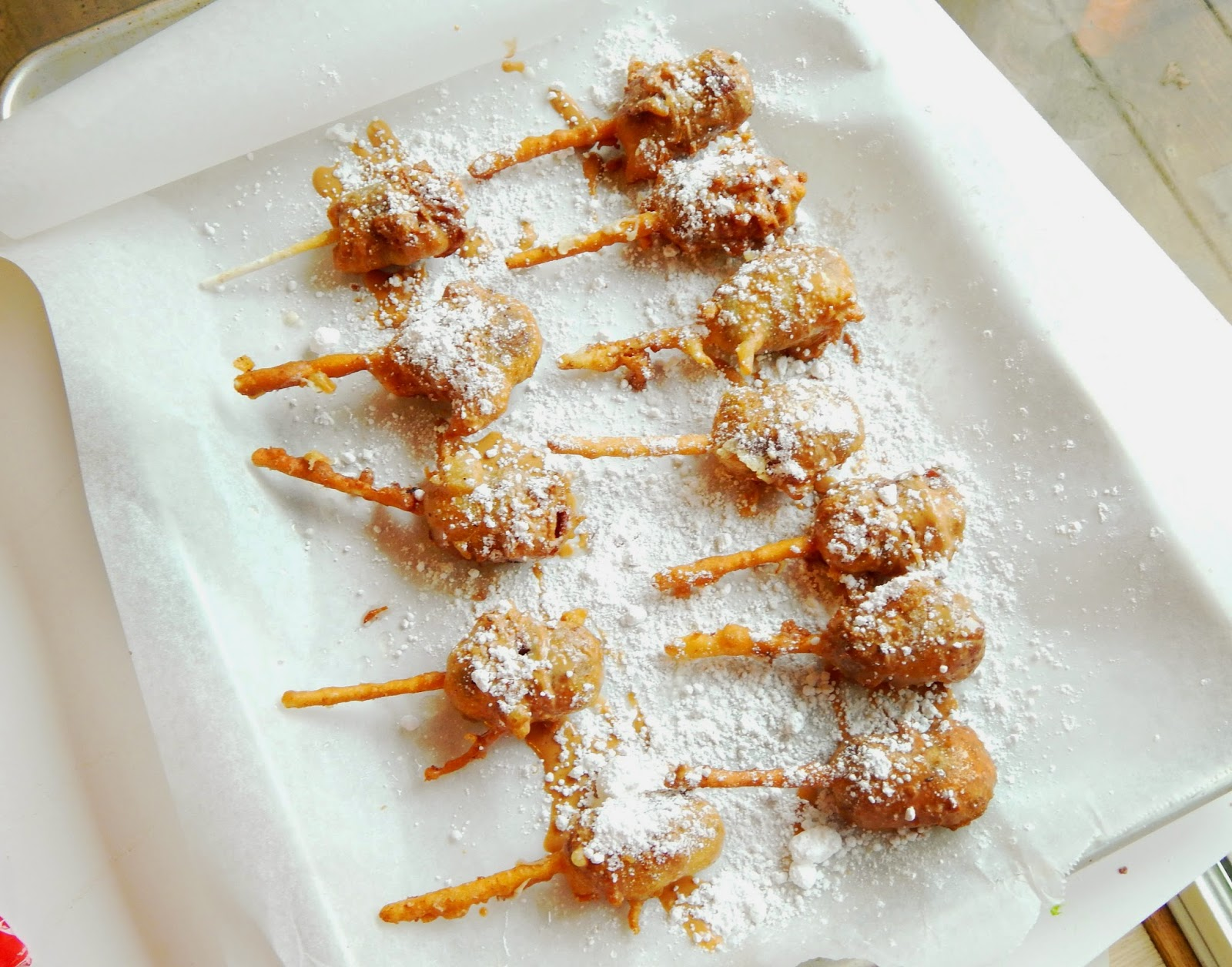 #BigGameTreats #ad #cbias Deep Fried SNICKERS Bars