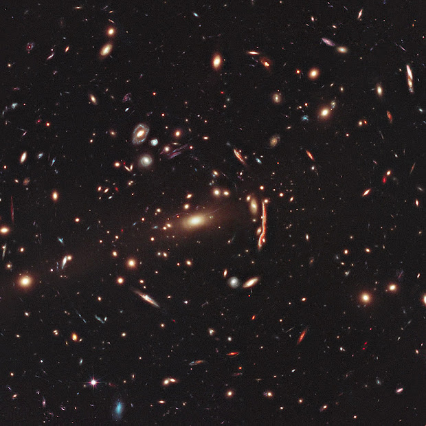 Hubble image of Galaxy Cluster MACS J1206.2-0847