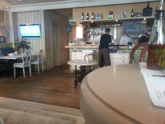 ресторан Sempline. интерьер.