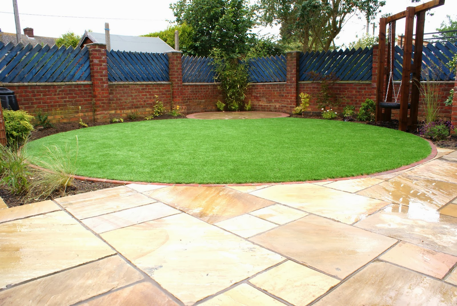 Low maintenance family garden cambridgeshire garden for Low maintenance lawn design