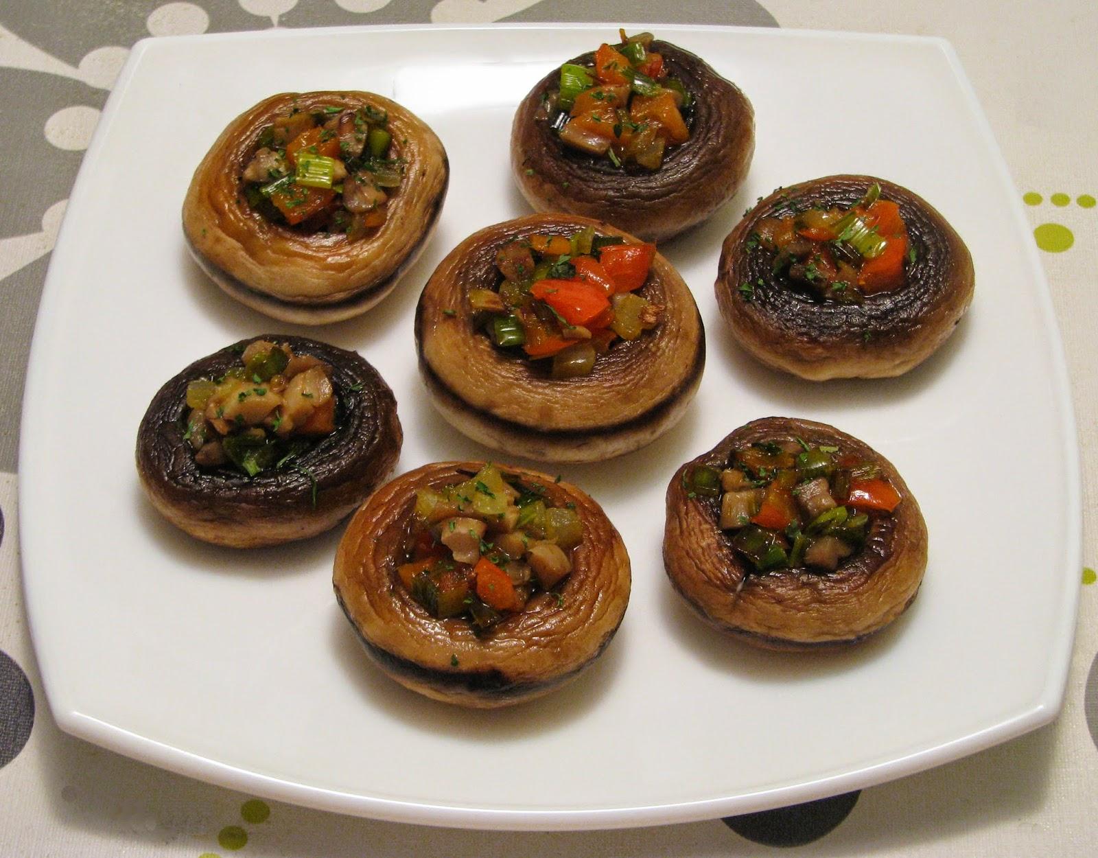 Champiñones rellenos de verduras