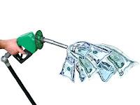 gasto com combustível - Classe C vai gastar mais para alimentar o carro do que para alimentar a família