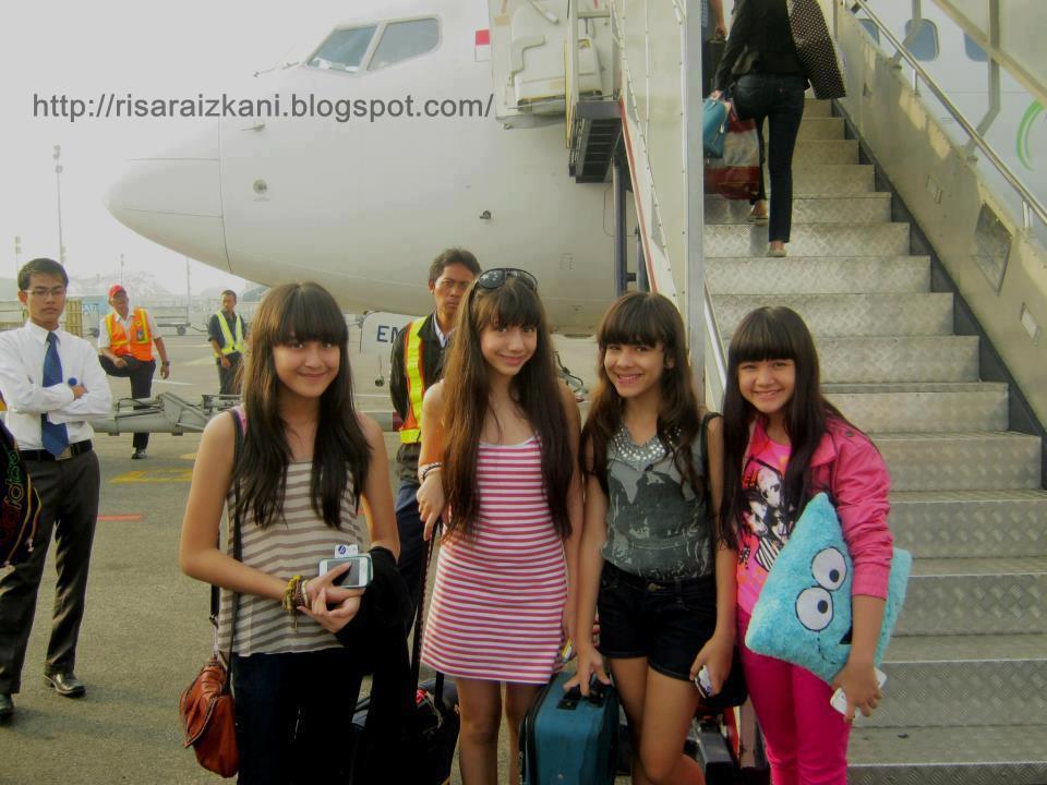 Salsabilla,Cassandra,Steffi,dan bella ( at bandara)