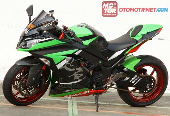 Modifikasi Kawasaki Ninja 250 Ala Supersport
