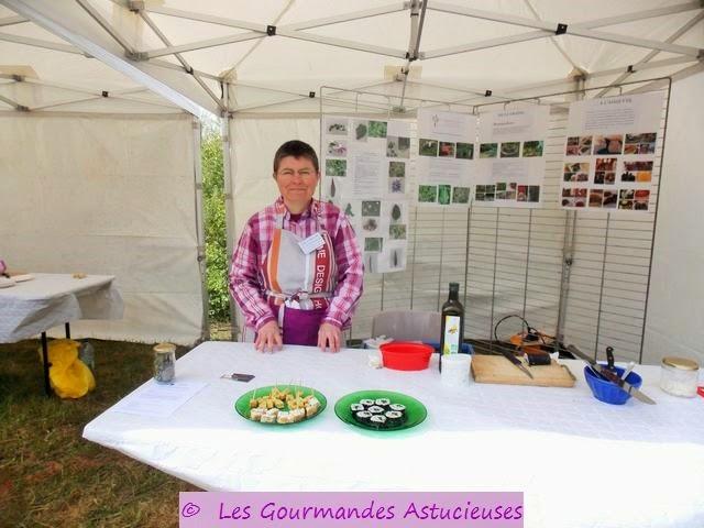 Stand démonstration-dégustation autour des plantes sauvages comestibles