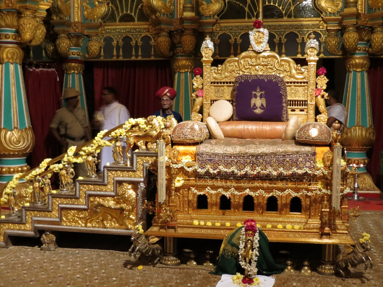Dr S N Prasad Mysore India In And Around The Fabulous Palace Some Glimpses Of Nocturnal Grandeur During Dasara 2012