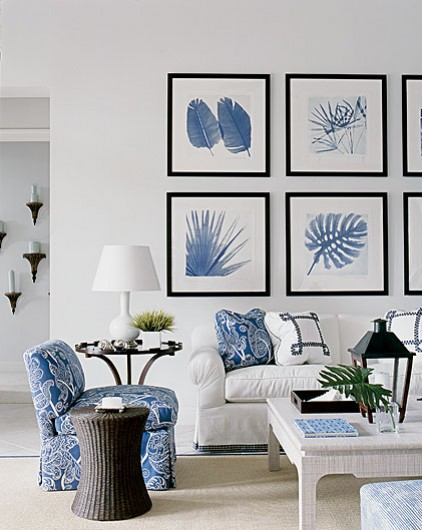 A beach house in white and blue interior heaven for Blue and white house