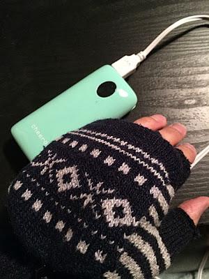 モバイルバッテリーの電源でも手袋は暖かくなりました