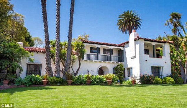 Homes of the rich and famous beverly hills mansion that for Spanish style homes for sale