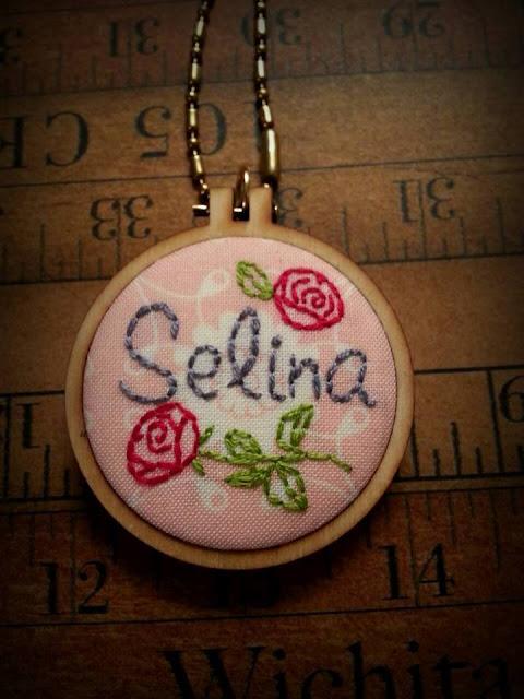 http://3.bp.blogspot.com/-9o_3Zm2zzgA/VmEnGa8y1oI/AAAAAAAAPw8/9By9Ue5Nxsc/s640/selinahoop2.jpg