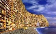 In un mare di libri ci si perde,ma un libro ci può salvare.