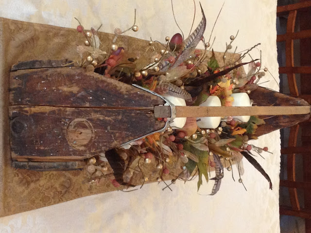 JenkinsKidFarm.Com Rustic Wooden Box Autumn Centerpiece