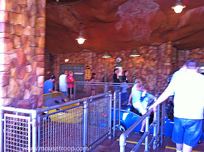 Radiator Springs Racers Station Loading