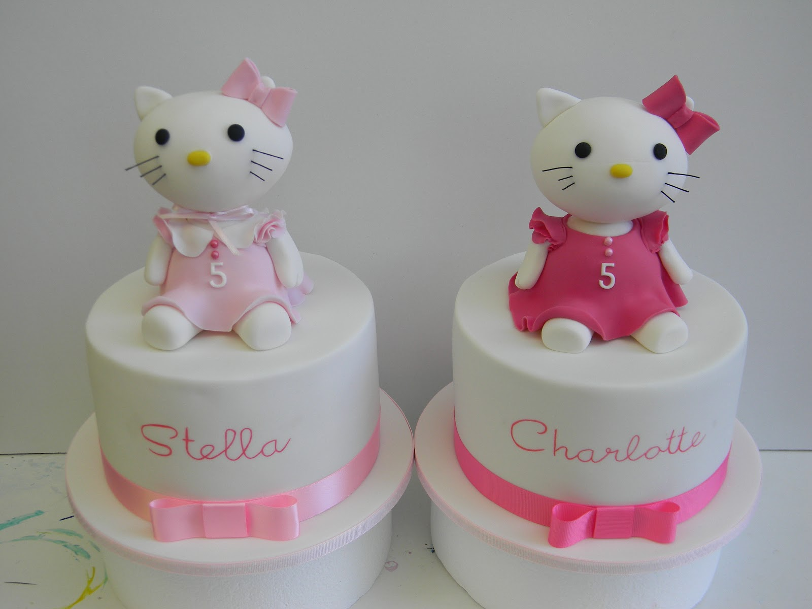 Cake Designs Of Hello Kitty : Just call me Martha: Hello Kitty, Olympics and Mad Hatter cake