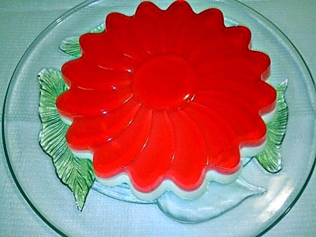 Tarta de queso light con gelatina de fresa