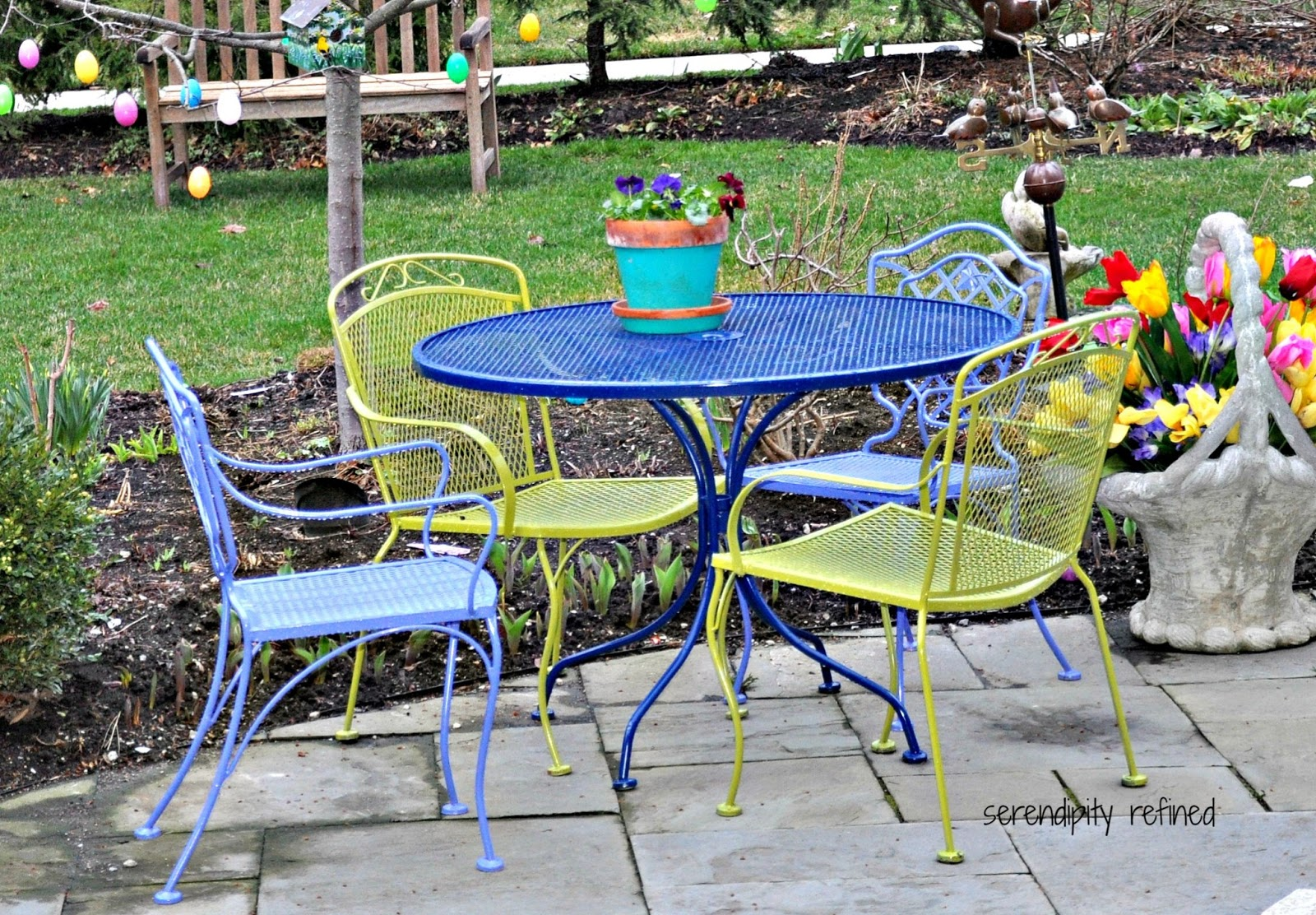Serendipity refined blog wicker and wrought iron patio furniture makeover Spray painting metal patio furniture