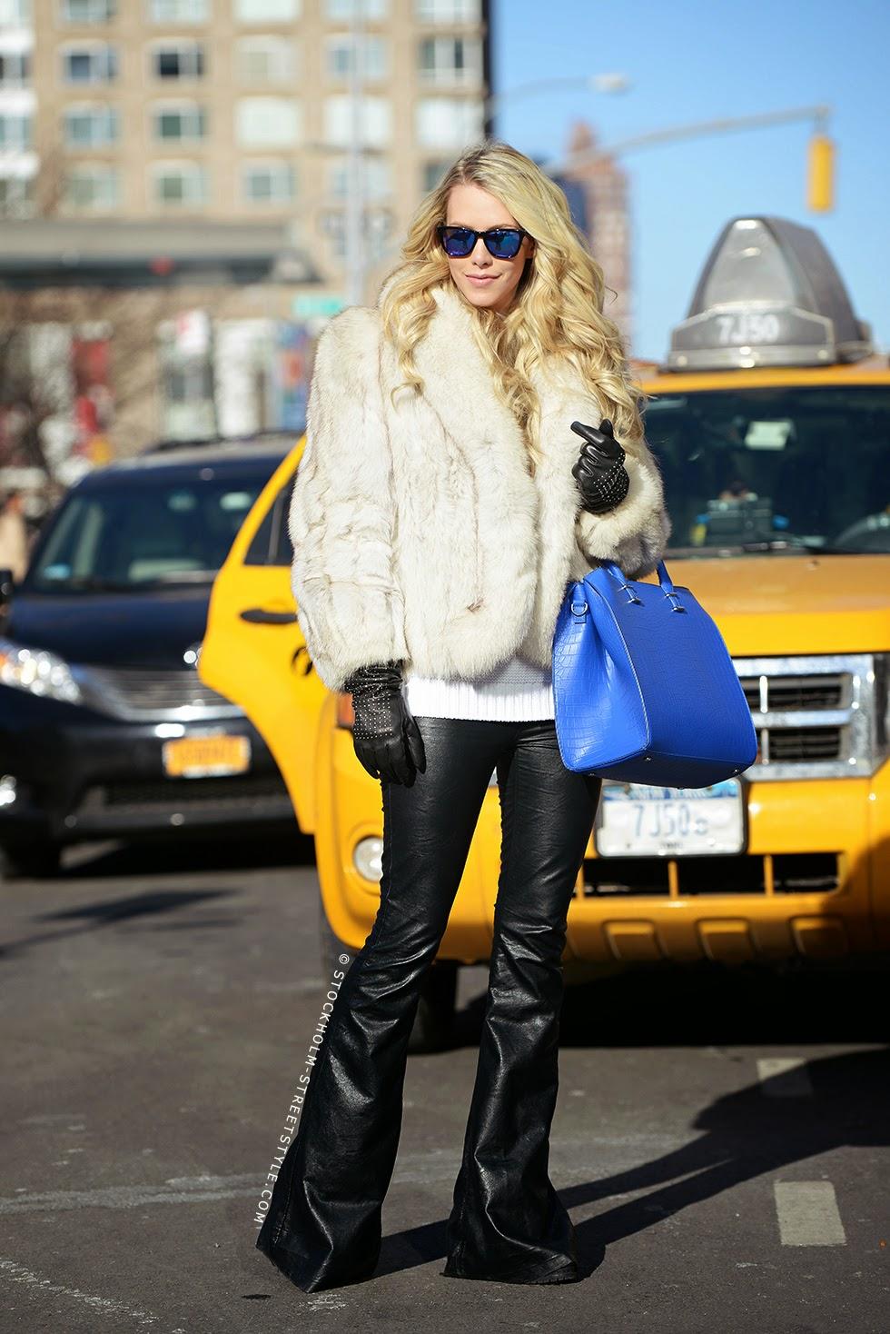 Pantalones campana cuero street style 2015