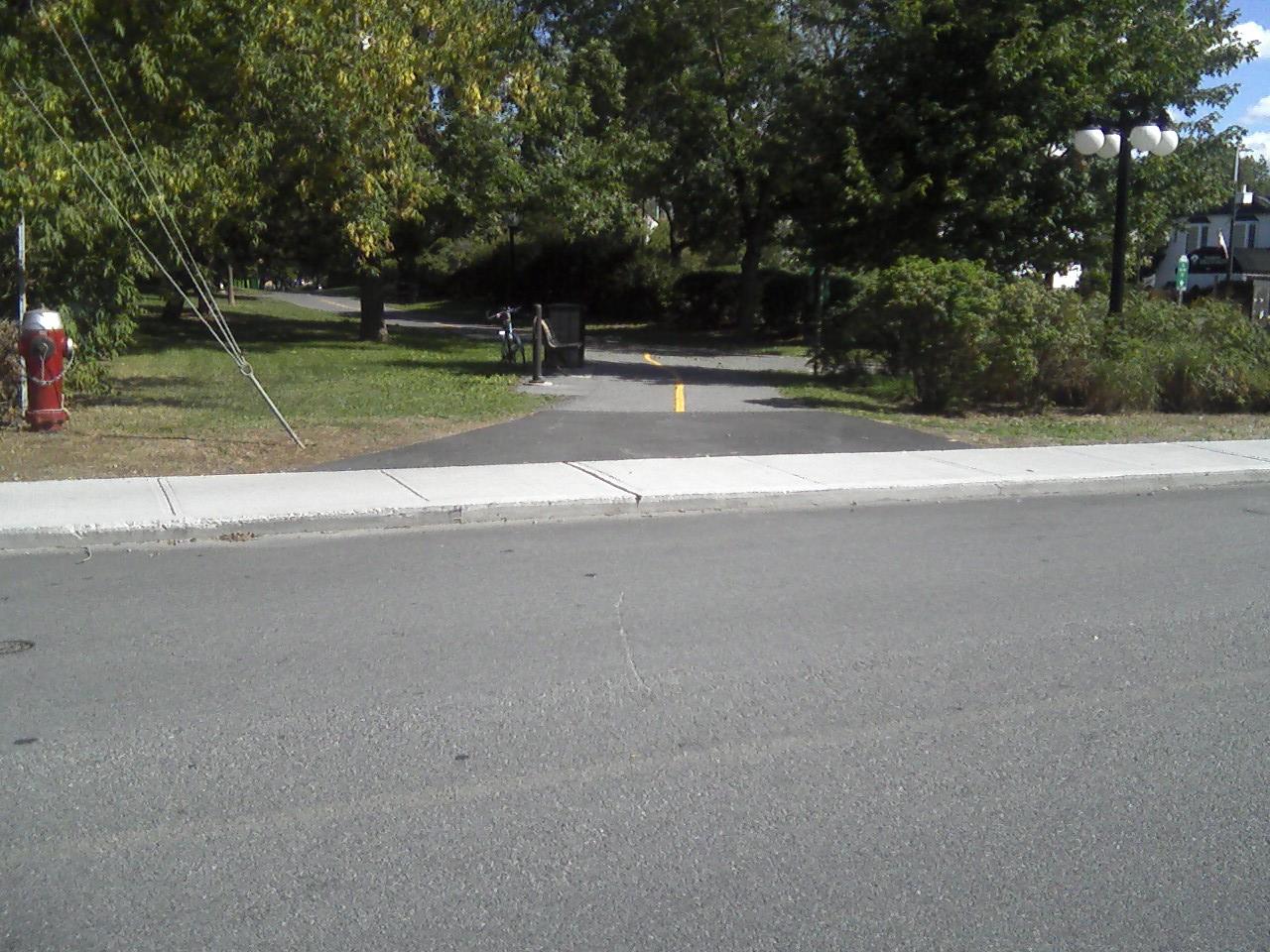 Velotout bordure de trottoir - Bordure de trottoir ...