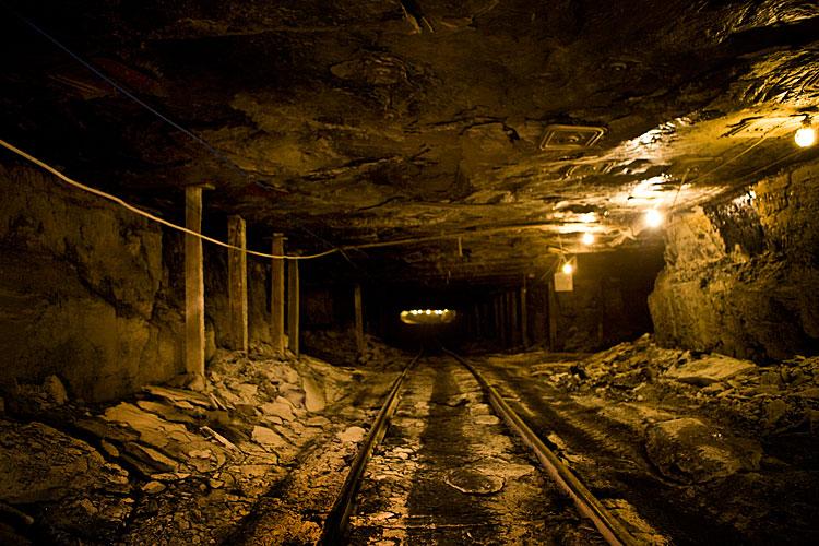 mine shaft wallpaper - photo #34