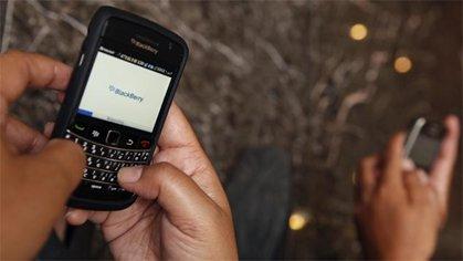 Usuarios de Blackberry reportan fallas del servicio en toda América.