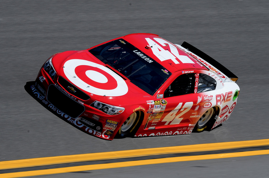 Larson Finishes 34th at Daytona