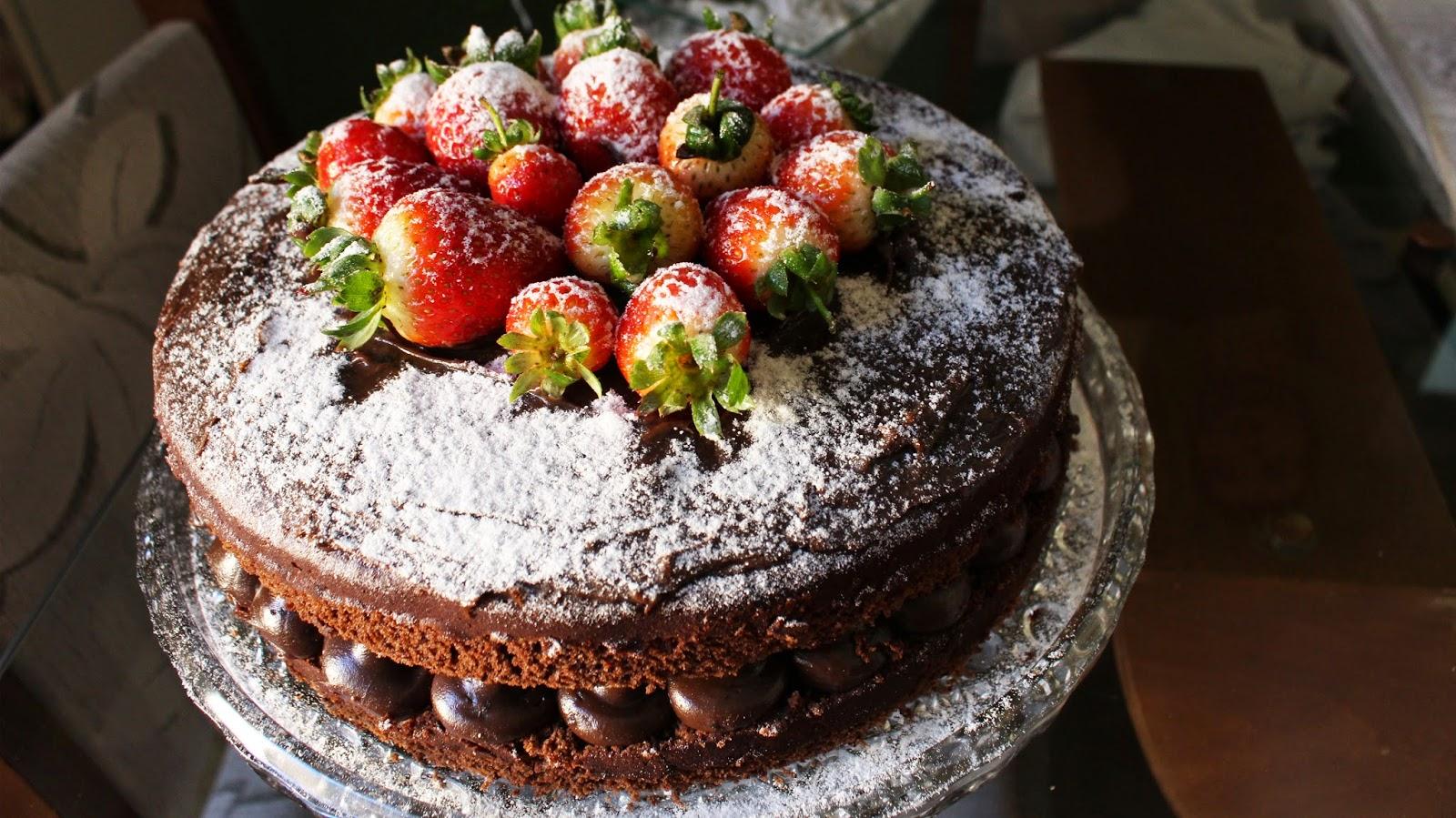 Torta de Morango - Doce Docê Comercial