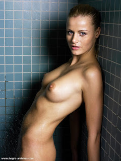Hot Girl Naked - rs-sofia2_7-748241.jpg