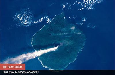 gunung rokatenda ketika terlihat di luar angkasa