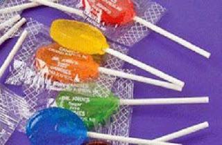 ابتكار حلوى تفرز من مسام الجسم روائح عطرة - مصاصة