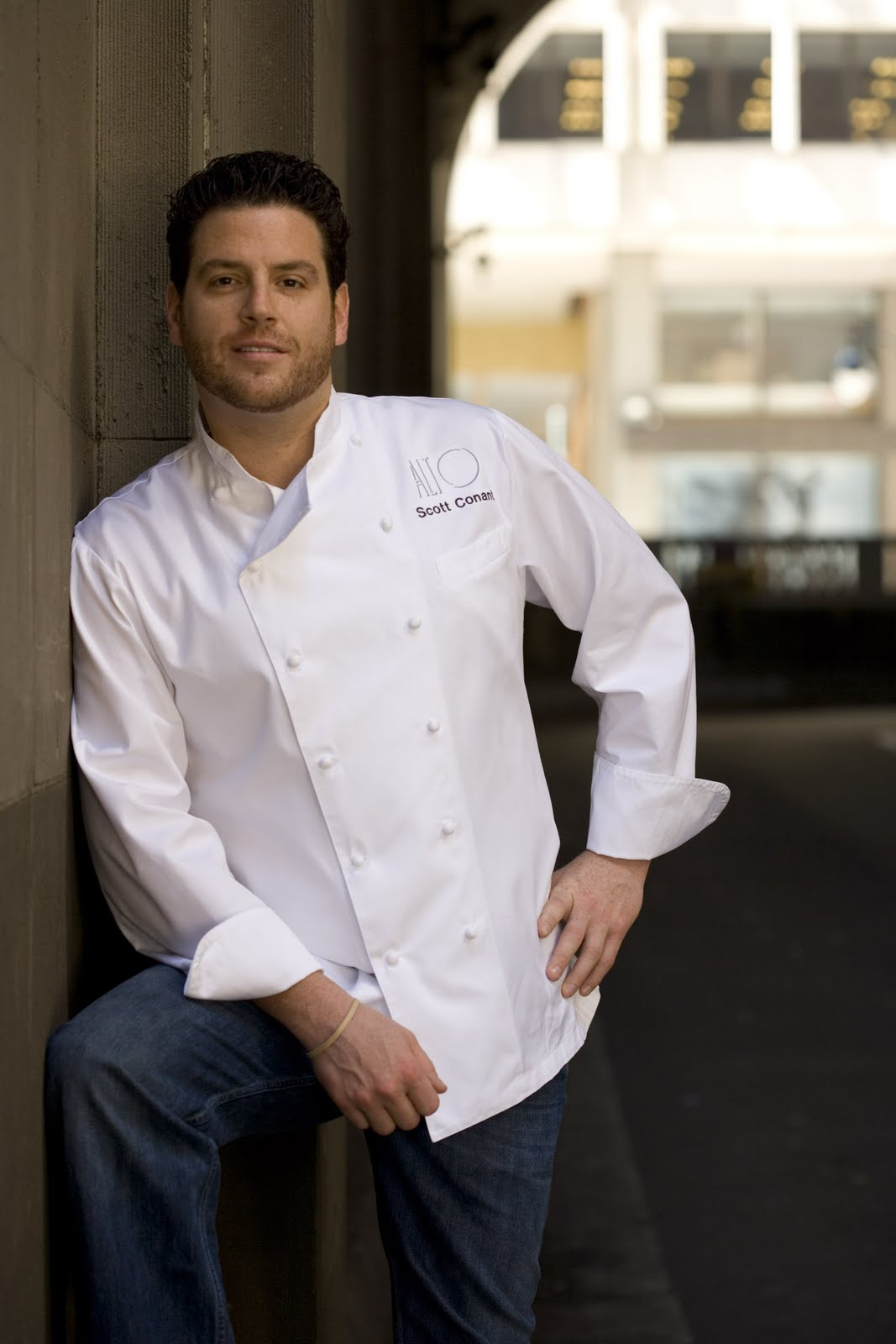 Chef Scott Conant Wife Meltem http://everybodymoonjump.blogspot.com/2011/04/friday-food-network-fuck-scott-conant.html