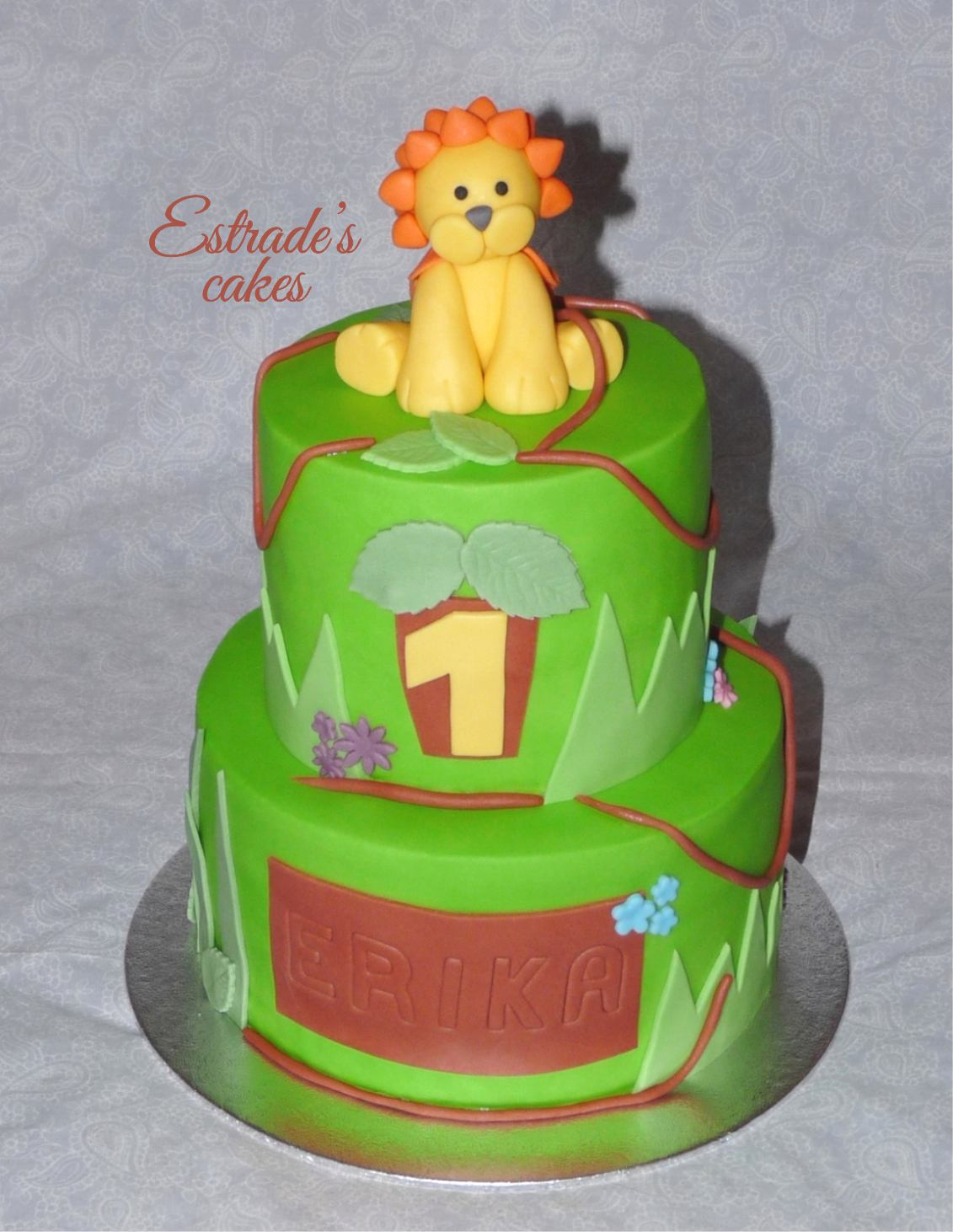 tarta con leon de fondant - 1