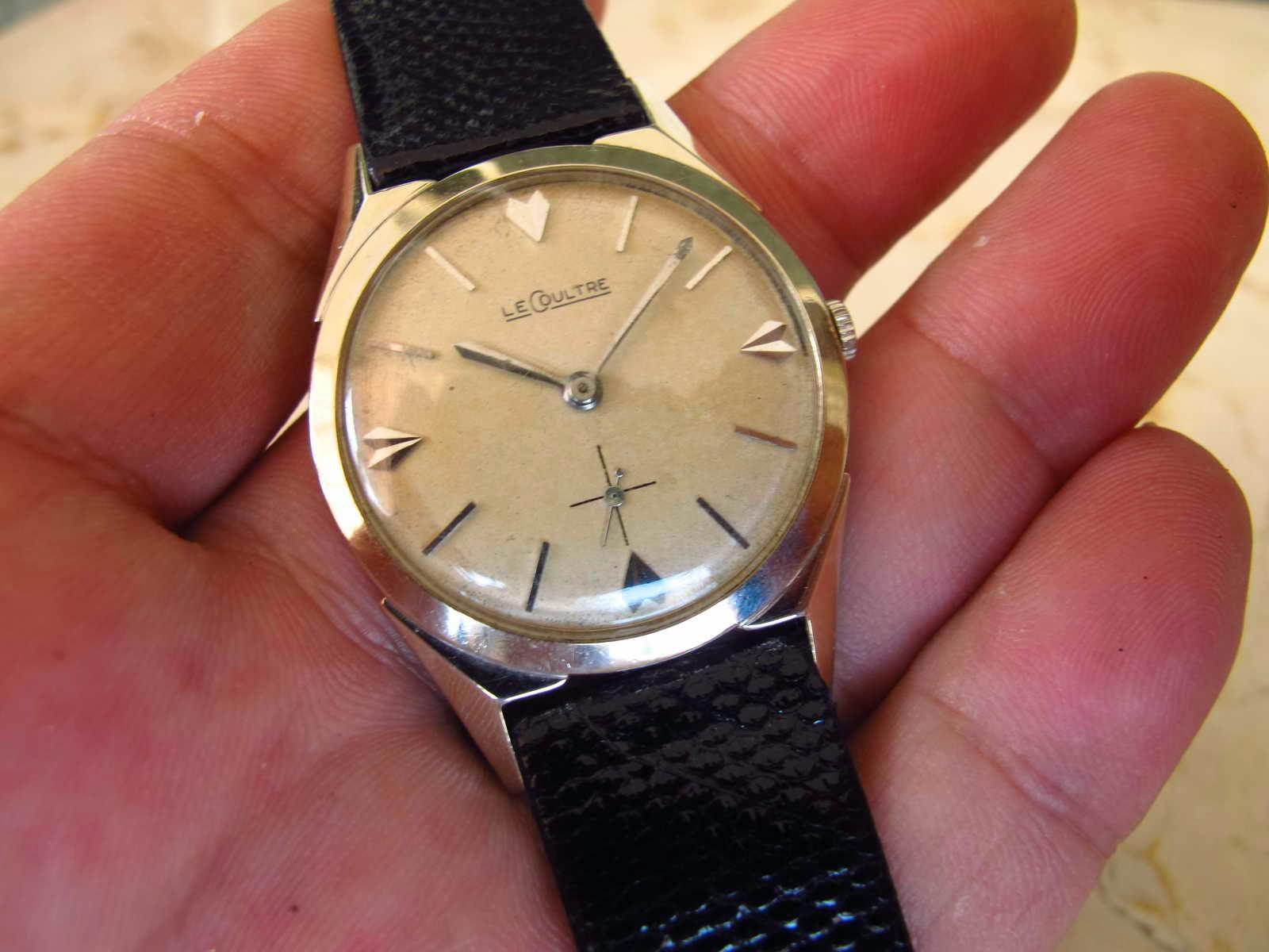 Cocok untuk Anda yang sedang mencari jam tangan dengan diameter tidak terlalu besar dengan model classic brand ternama Jaeger Le Coultre