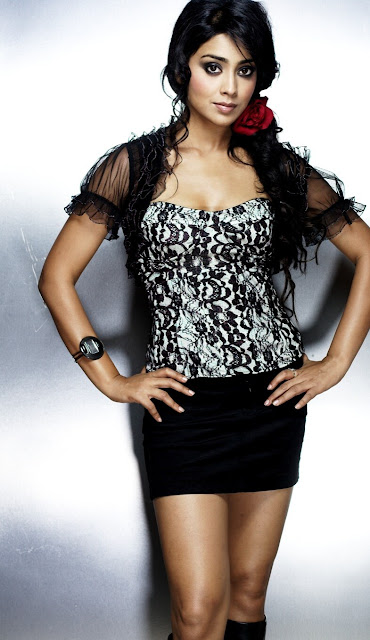 Shriya Saran Spicy Sexy Photoshoot Latest Hot Photos In Black Shorts