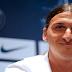 """Zlatan Ibrahimovic pide el pin de Gerard Pique: """"Necesito hablar con el"""""""