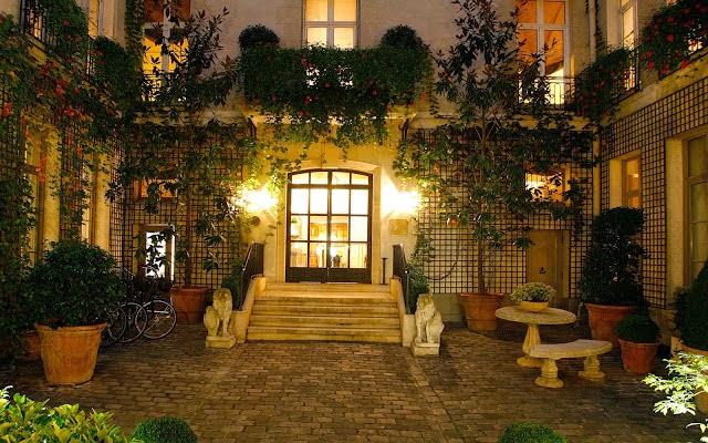 5 Top Romantic Paris Hotels