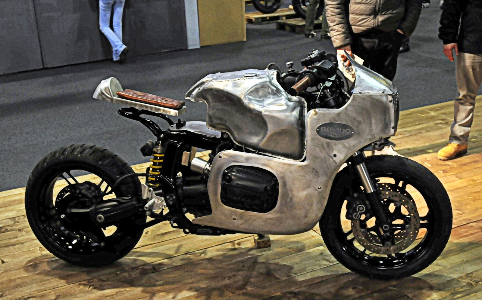 Bolido - BMW R1100 - RocketGarage - Cafe Racer Magazine