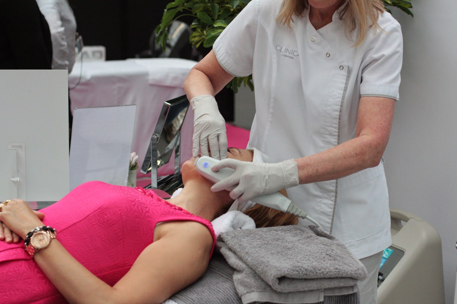 Ultherapy demonstration at the anti-ageing show