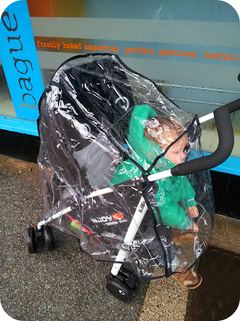 njoy bubble raincover, parent facing umbrella fold stroller