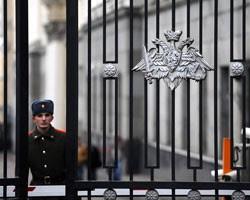 Преступная группа из риэлторов, юристов и бывших военнослужащих умудрилась незаконно получить права на более чем 150 муниципальных квартир в Подмосковье.
