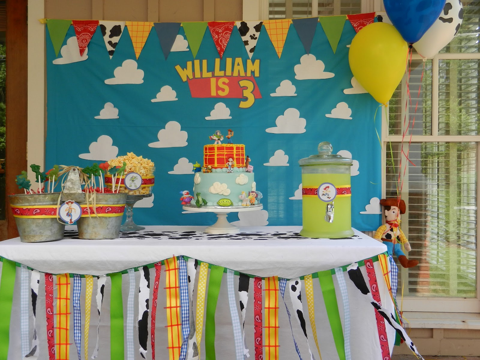 The bookers william 39 s 3rd birthday for Home decorations for birthday party