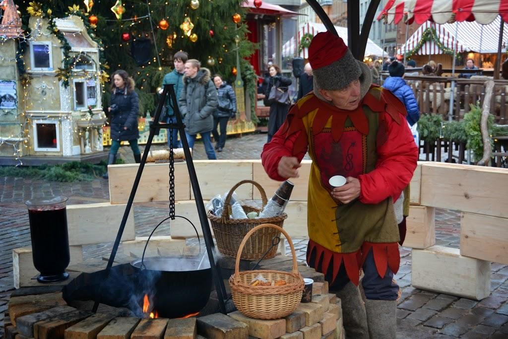 Christmas Market Riga gluhwein