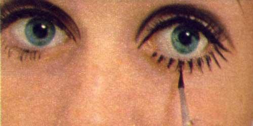 como se hace el maquillaje de ojos de Twiggy